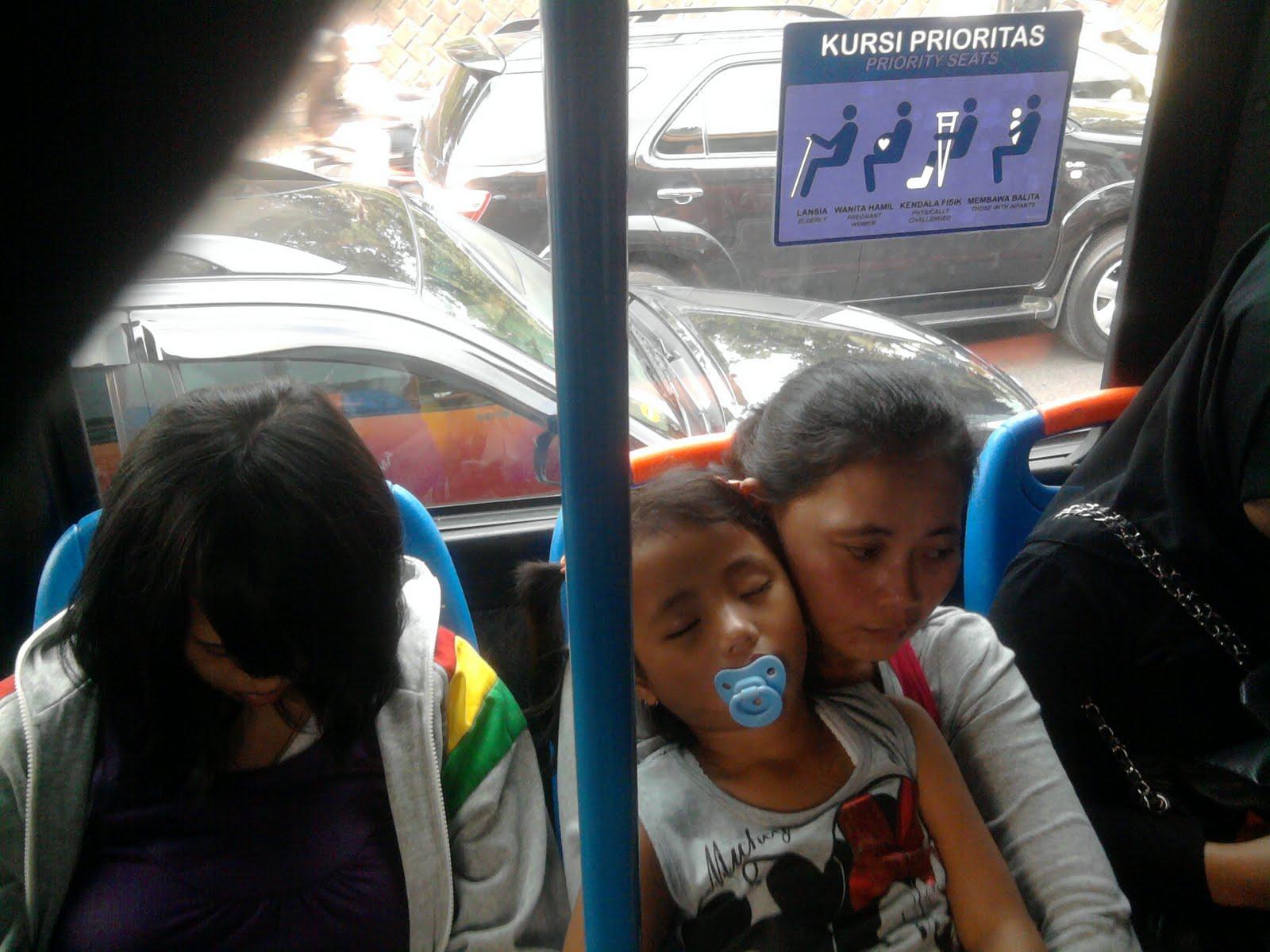 Pelajaran dari Bus Transjakarta (Busway)