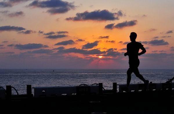 Alasan Olahraga Lari Menggunakan Handphone